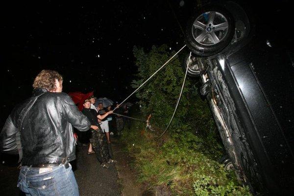 Zdrs avta med nevihto-1
