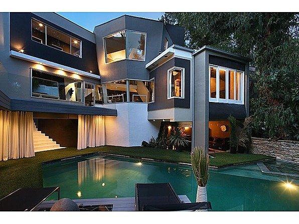 Hiša s koti - 2