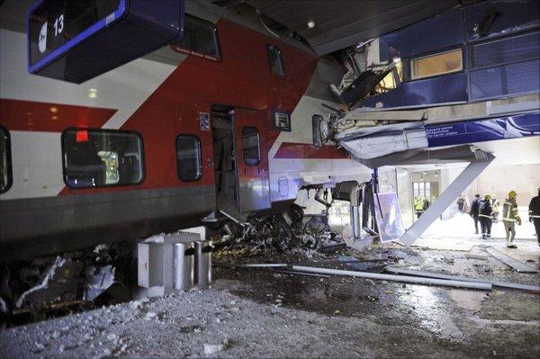 V Helsinkih vlak trčil v hotel