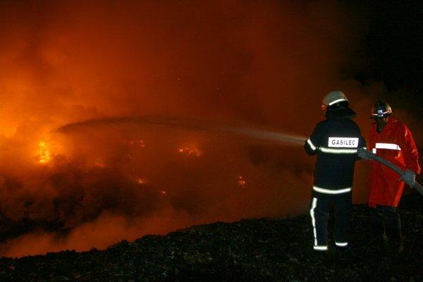 Požar deponije gum
