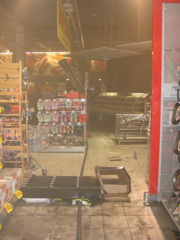 Požar v trgovini v Mariboru-3