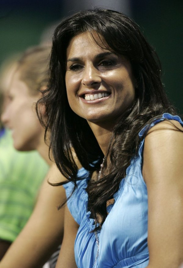 gabriela sabatini sweat - photo #29