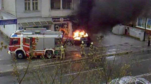 Na Dunajski cesti v Ljubljani zagorelo vozilo