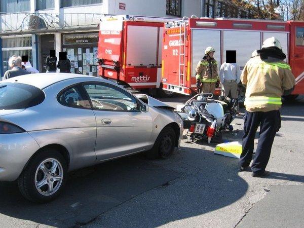 Prometna nesreča reševalca na motorju - 1